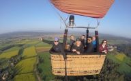 Balloon-flight-near-Barcelona-with-family-and-friends-is-the-best-Christmas-gift.